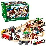BRIO World 33052 Straßen & Schienen Bahn Set Deluxe – Straßen & Schienen für die BRIO Eisenbahn – Kleinkindspielzeug...