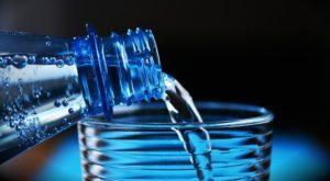 Viel Wasser trinken bei Sodbrennen