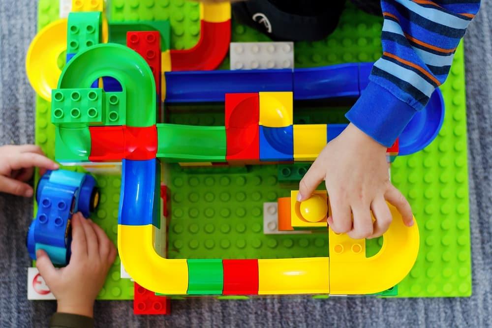Murmelbahn für kleine Kinder