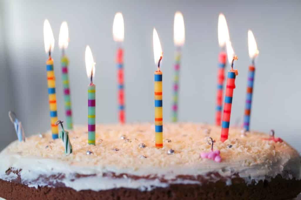 Glückwünsche zum ersten Geburtstag