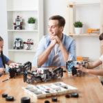 LEGO 42109 Technic Top-Gear Rallyeauto mit App-Steuerung und Smart Hub