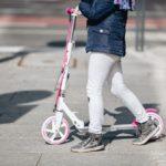 Der Kinderroller - damals wie heute ein beliebtes Spielzeug