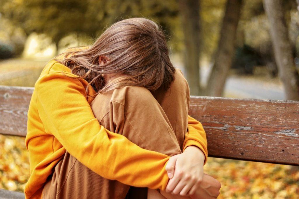 Panikattacken bei Kindern - woher kommen sie?||Kind hat Angst und versteckt sich|Kind hat Depressionen